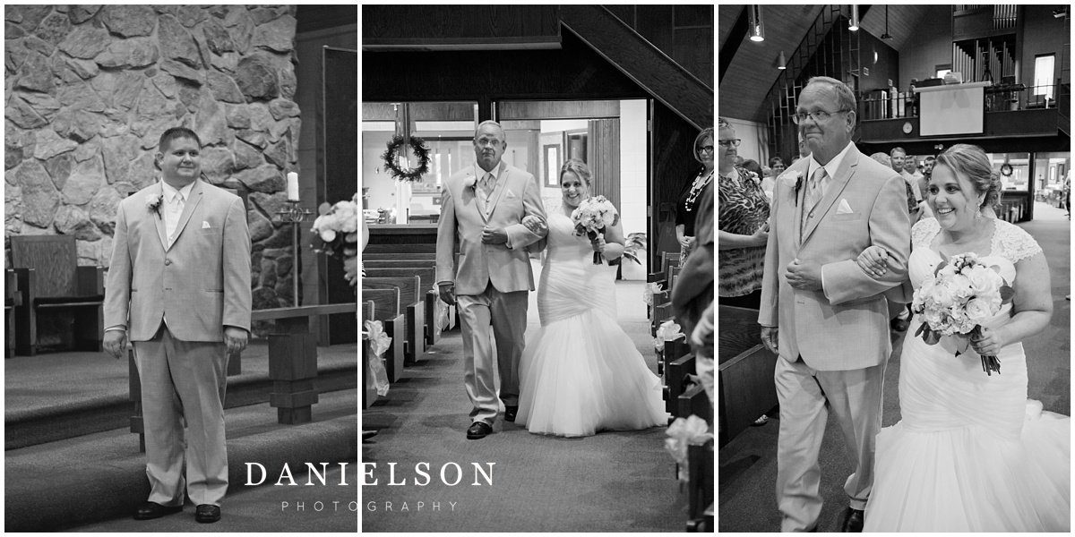 Wedding ceremony at Our Redeemer Lutheran Church in Waverly IA photographed by Waterloo IA wedding photographer, Danielson Photography.